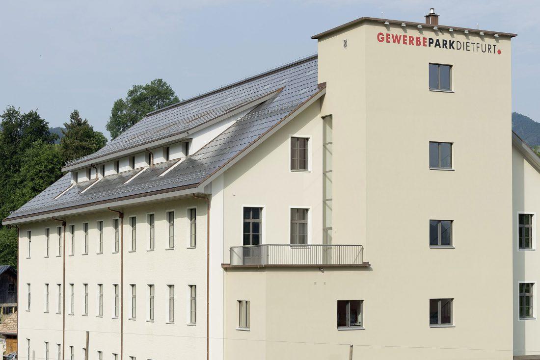 G&O sunsolutions GmbH, Dietfurt, St.Gallen, Toggenburg, Solar, Energie , Speicher, Aufdach, Indach, Flachdach, Dachsarnierung, Photovolt