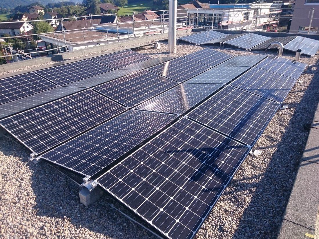 PVA, Photovoltaik, Aufdach, Bazenheid, Toggenburg, Speicher, Solar