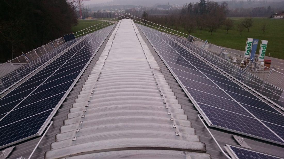 Photovoltaikanlage Landi Zuzwil St.Gallen Toggenburg G&O sunsolutions GmbH Indach Aufdach Eigenverbrauch Optimierung Aufdach Flachdach Indach Solarenergie