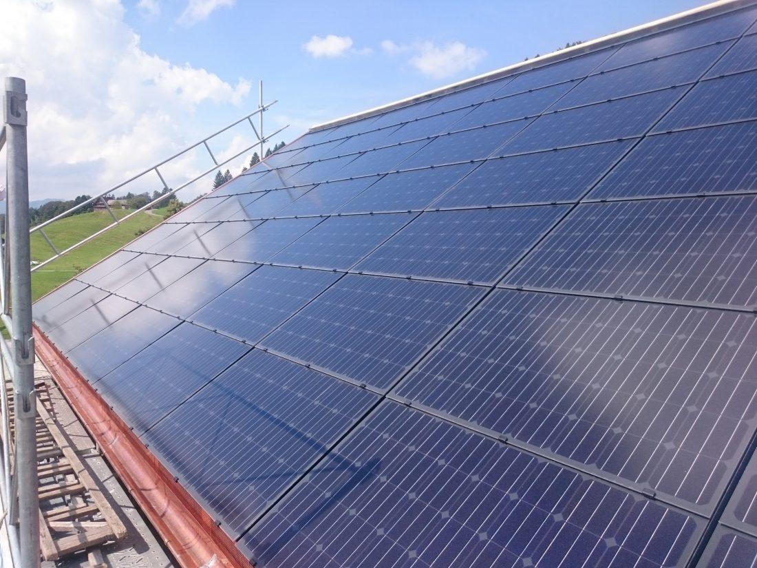 photovoltaikanlage-indach-solarstrom-go-sunsolutions-gmbh-dietfurt-ebnat-kappel-dachsanierung-indach